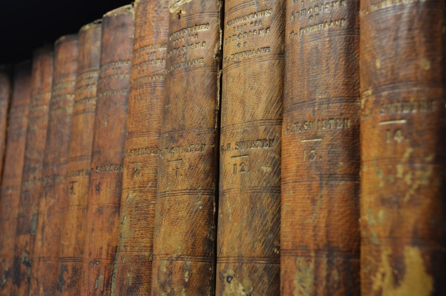 books-old-library-ancient-times-646640